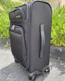 Samsonite Epsilon NXT Softside Spinner 22″ Carry On Luggage